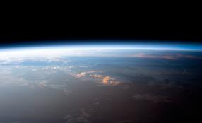 Atmosphäre der Erde (Image: NASA)